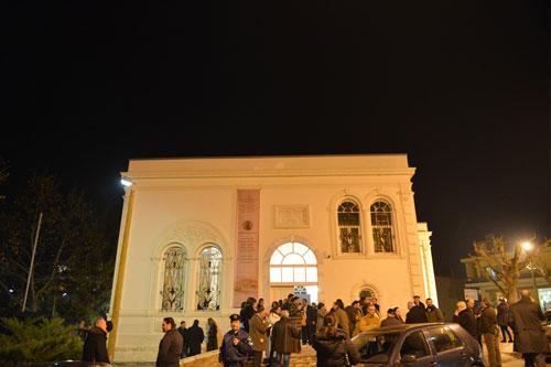 Την Παρασκευή 10 Ιανουαρίου πραγματοποιήθηκαν στο Μαυσωλείο του Γαζή Εβρενός στα Γιαννιτσά τα εγκαίνια της έκθεσης με τίτλο «Edward Lear- Η περιήγηση ενός βικτωριανού καλλιτέχνη στην περιοχή των Γιαννιτσών», μια συνδιοργάνωση του Δήμου Πέλλας με την 11η Εφορεία Βυζαντινών Αρχαιοτήτων.
